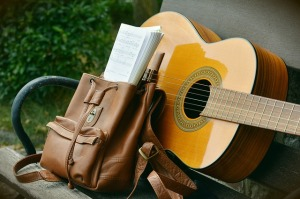 2018-09-25 TTM pixabay congerdesign cc0 guitar-1583461_640